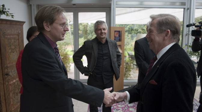 Vaclav Havel beim SUPERillu-Treff mit DDR-Bürgerrechtlern 2009