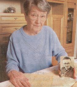 Helmut Horstmanns Schwester Helga Kube aus Berlin hob die Briefe ihres in Stalingrad vermissten Bruders auf