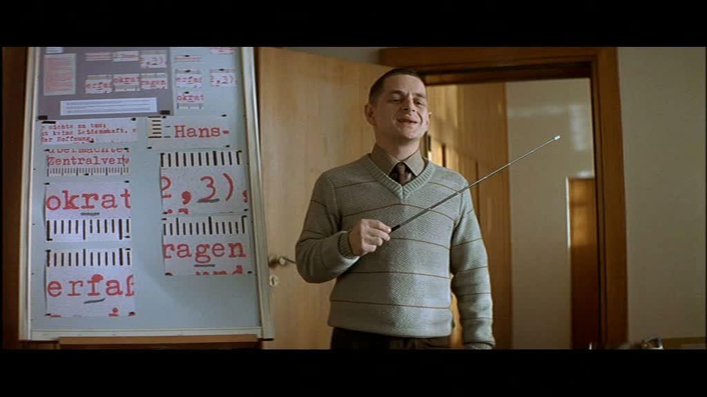 """Volker Michalowski als Stasi-Schreibmaschinen-Experte in """"Das Leben der Anderen"""" 2006"""