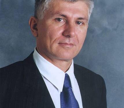 Život Zorana Đinđića. Čovjek, koji je  sa vlasti svrgnuo Miloševića, a Srbiju poveo novim putem.
